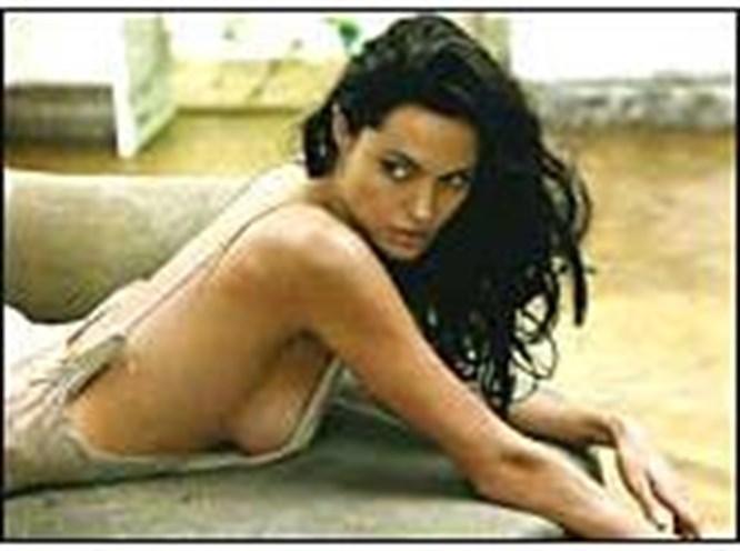 Angelina Jolie: İki aşk birden yaşıyorum